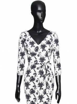 PRINTED STITCH DRESS V-NECKLINE